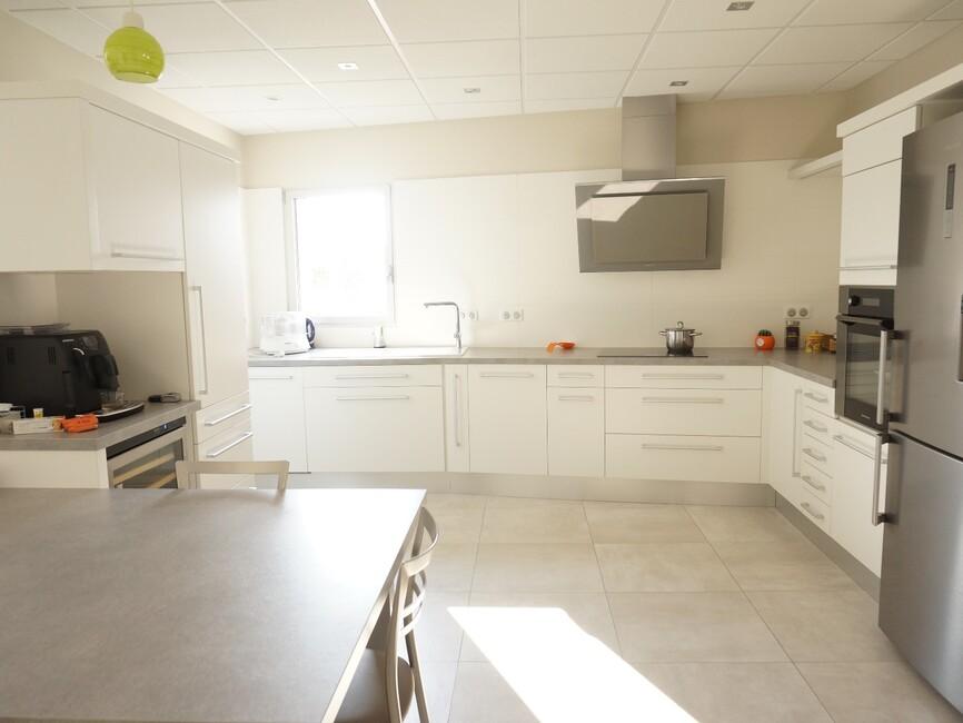 vente maison 8 pi ces beaumont l s valence 26760 253295. Black Bedroom Furniture Sets. Home Design Ideas
