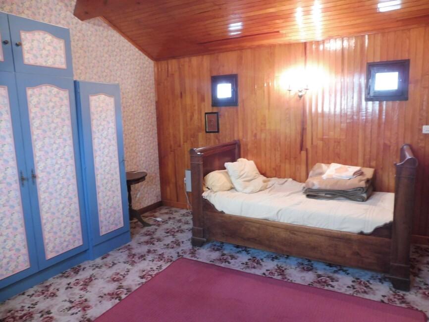 vente maison 10 pi ces beaumont l s valence 26760 436857. Black Bedroom Furniture Sets. Home Design Ideas