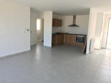 Location Appartement 2 pièces 56m² Beaumont-lès-Valence (26760) - photo